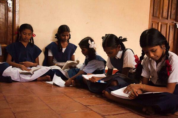 Huiswerk maken - Stichting Isai Ma(i)yam
